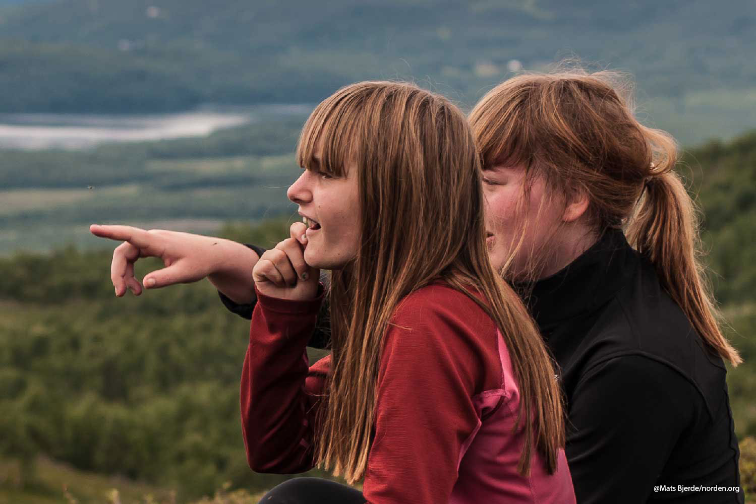 Jenter på fjelltur