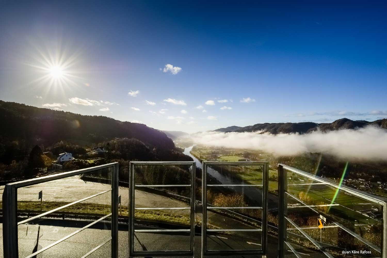 Utsikt over fjell og dal